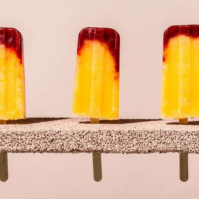 Raspberry Peach Bellini Pops: