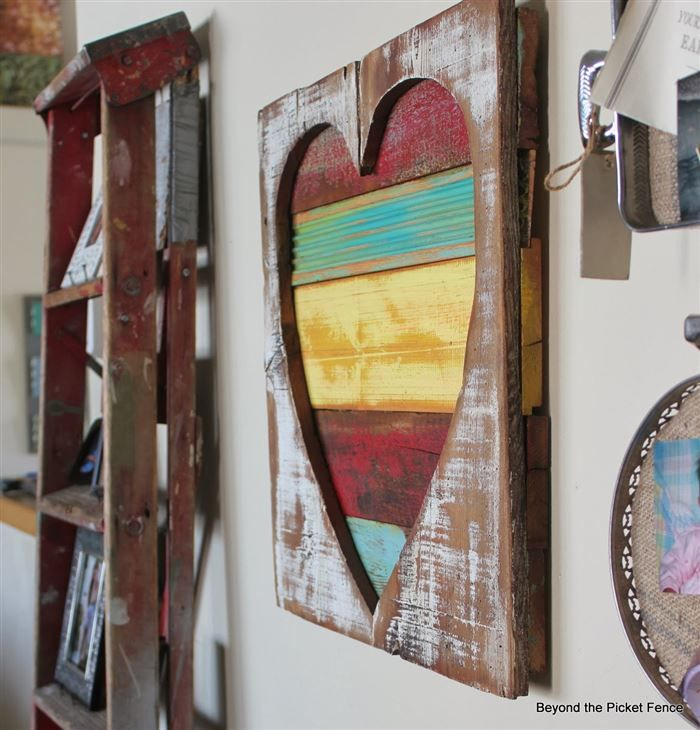 DIY pallet project Reclaimed Wood Heart Art: