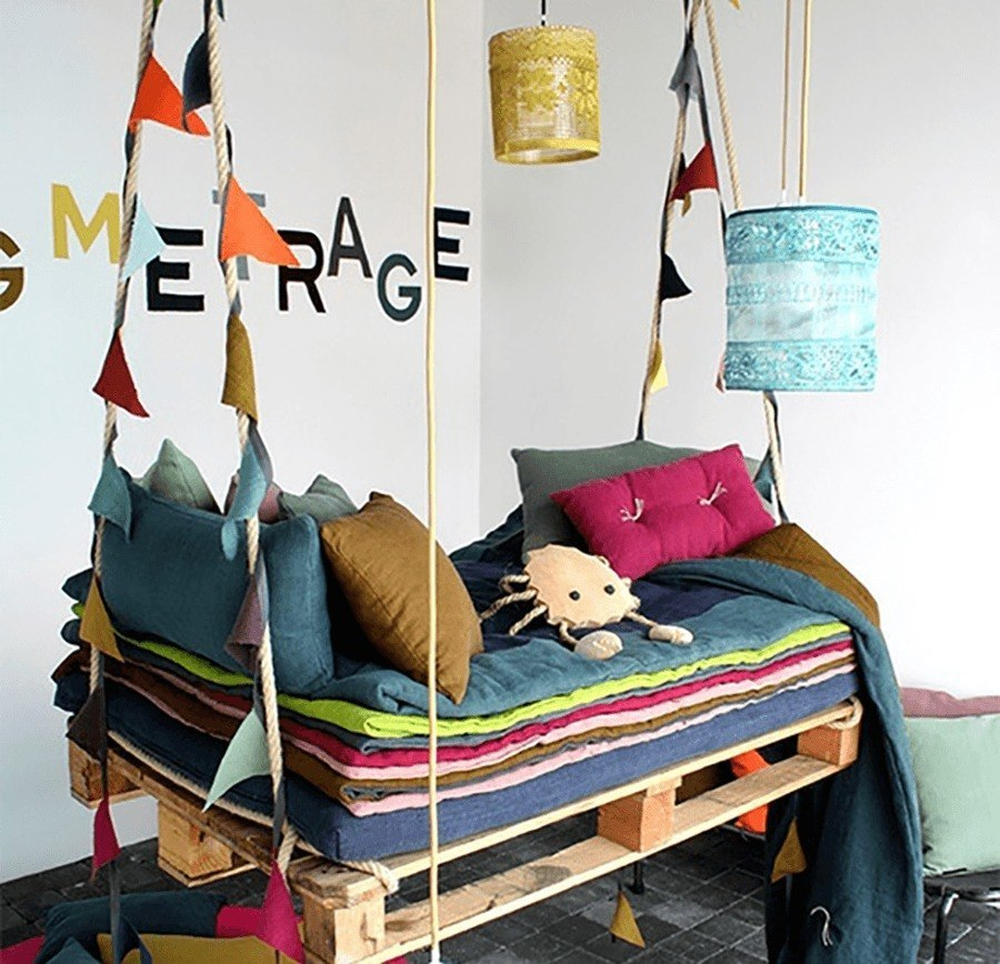 pallet project swing bed