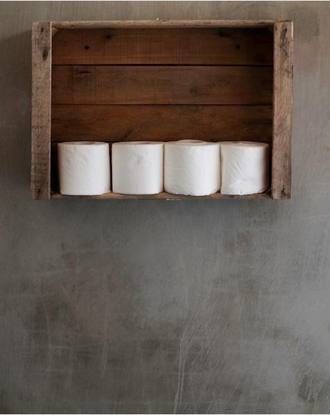 15 totally unusual diy toilet paper holders homelovr for Loo roll storage