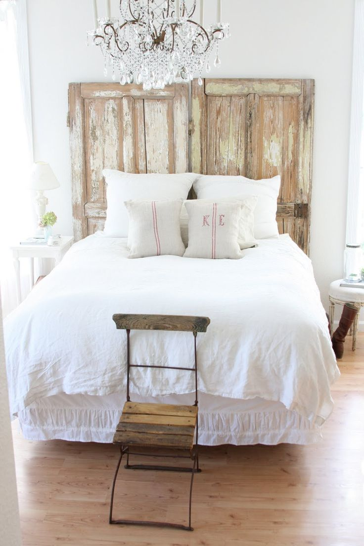 17 cool diy headboard ideas to upgrade your bedroom homelovr for Different headboards for beds