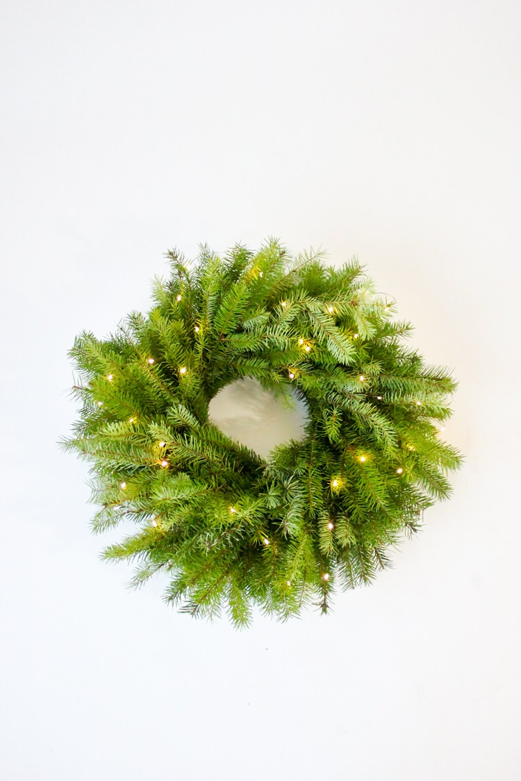 Easy diy christmas wreath ideas learn how to make a Simple christmas wreaths