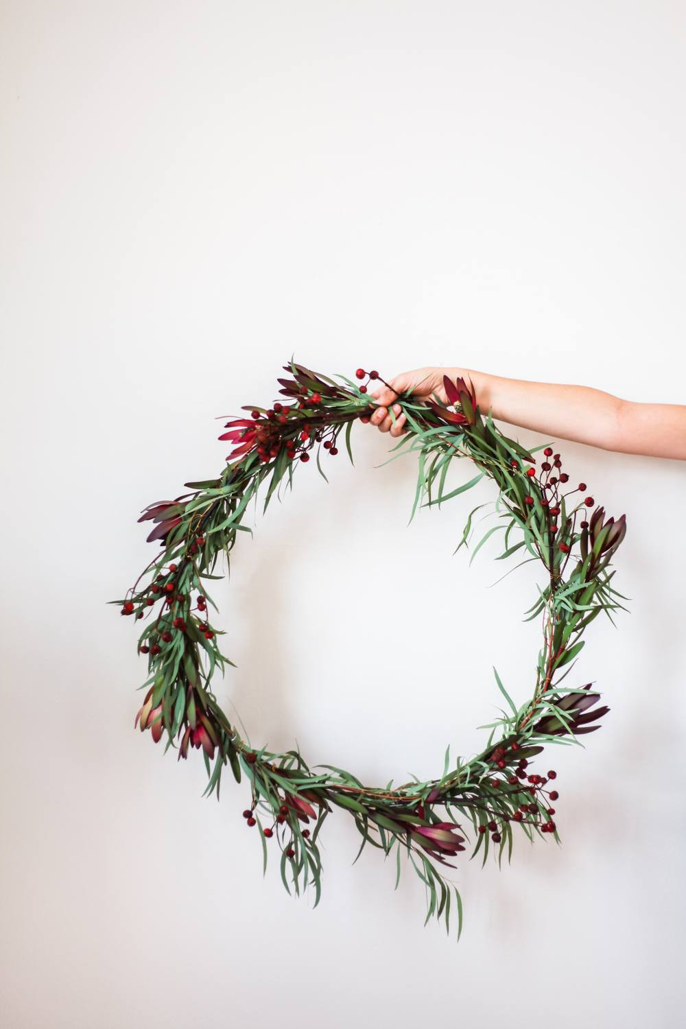 Easy DIY Christmas Wreath Ideas - Learn How to Make a Christmas Wreath