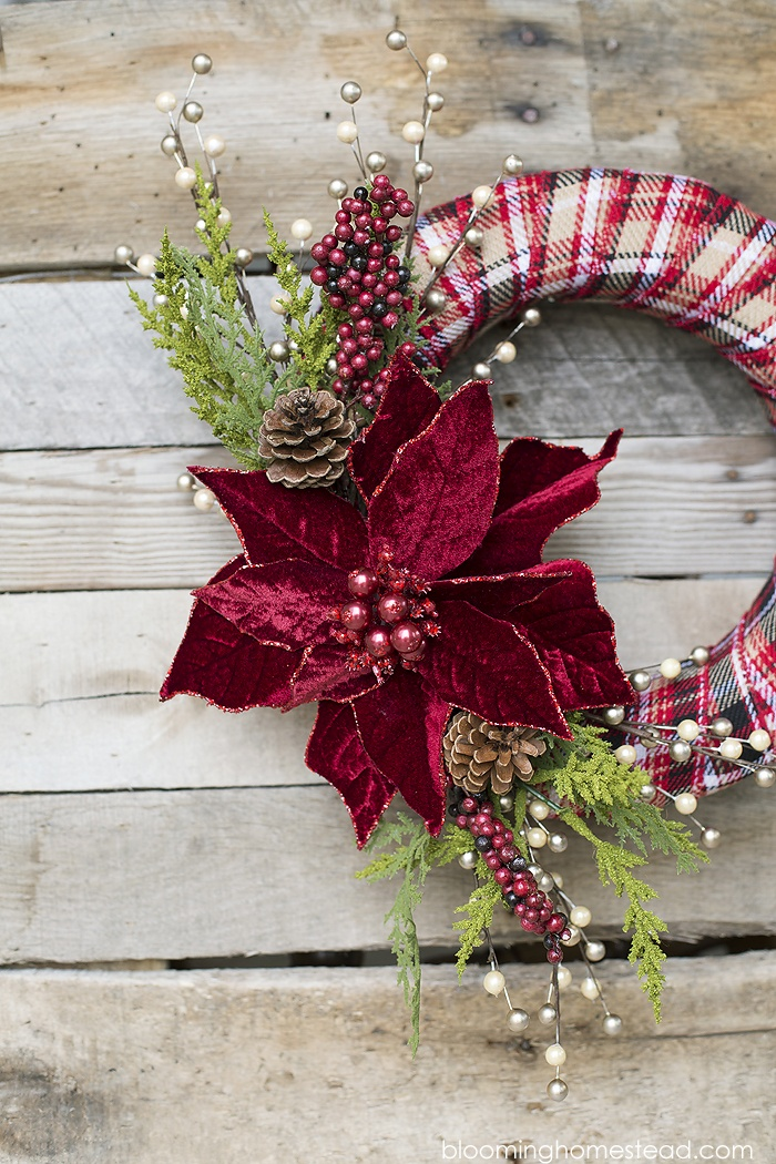 Craft your way to your happiest Yuletide season with these easy ideas.
