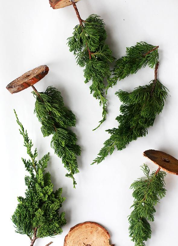 23 DIY Mini Christmas Tree Decor Ideas