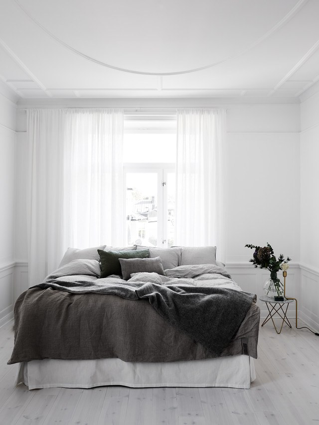 Black and White Scandinavian Bedroom