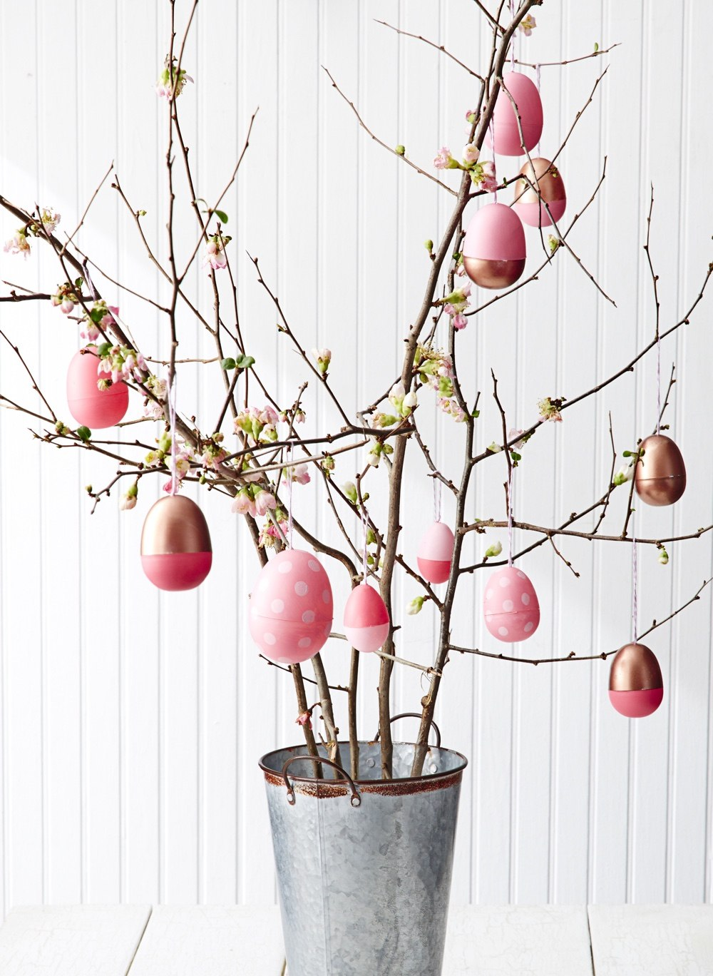 20 amazing easter decoration ideas you can make yourself How to make an easter egg tree