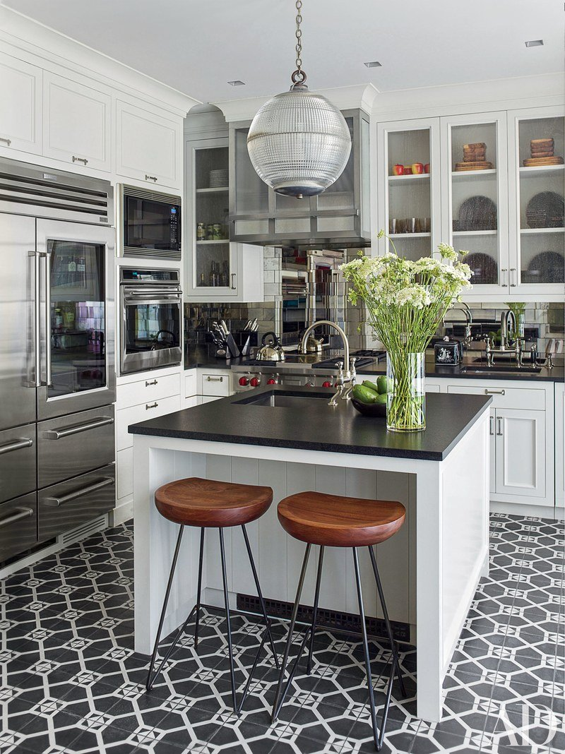 Black & White Kitchen Island