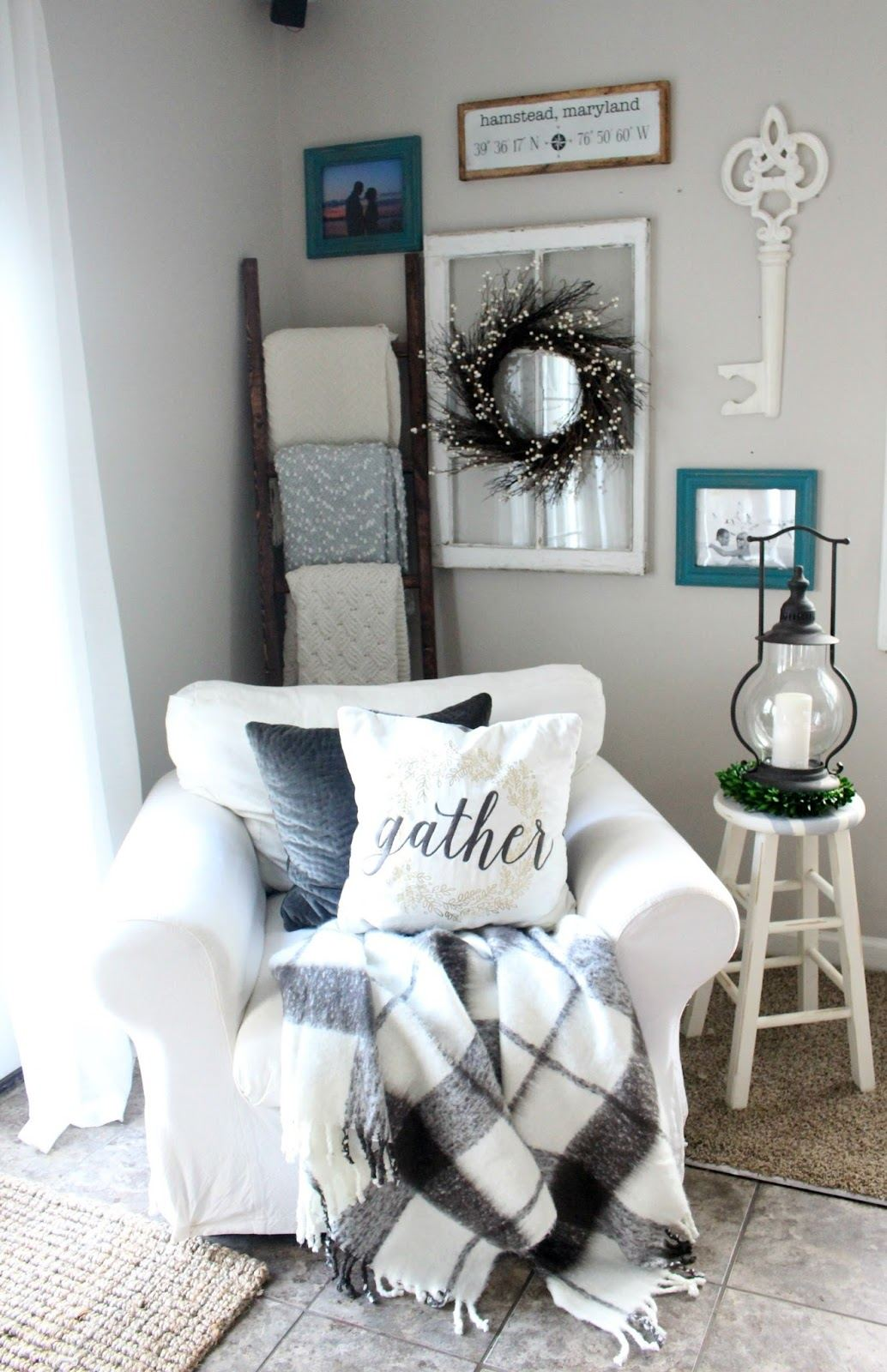 Cozy Farmhouse Style Big White Chair