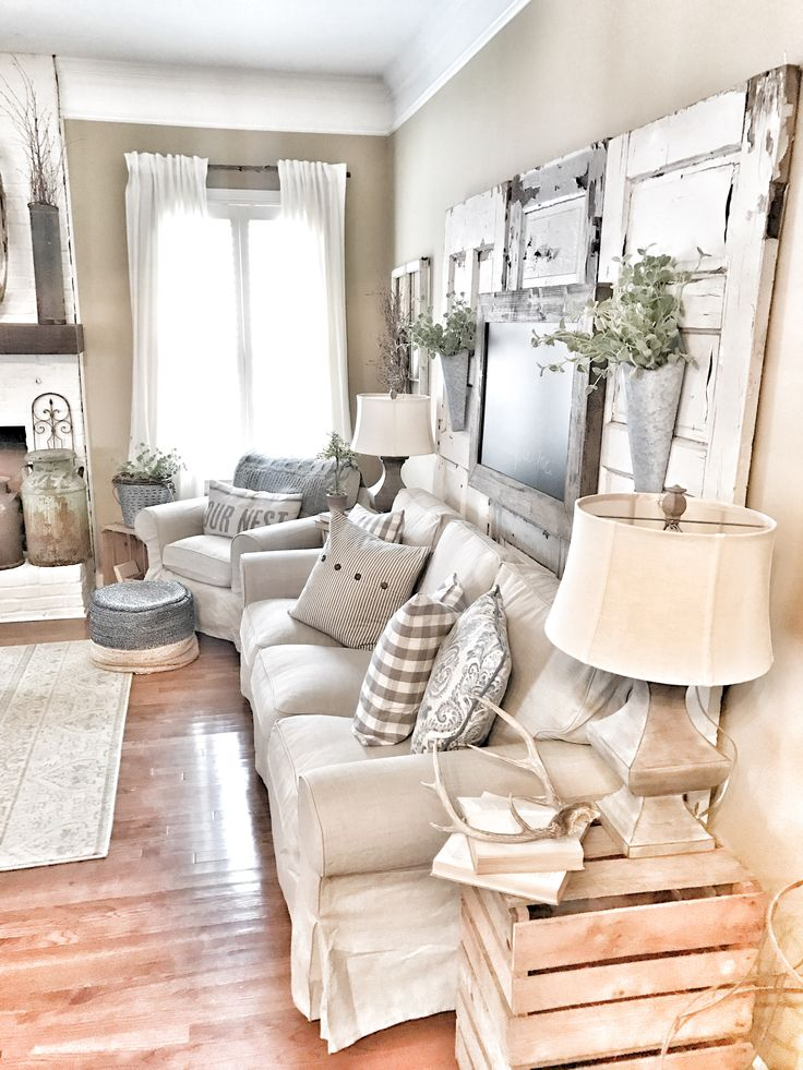 Cozy farmhouse living room
