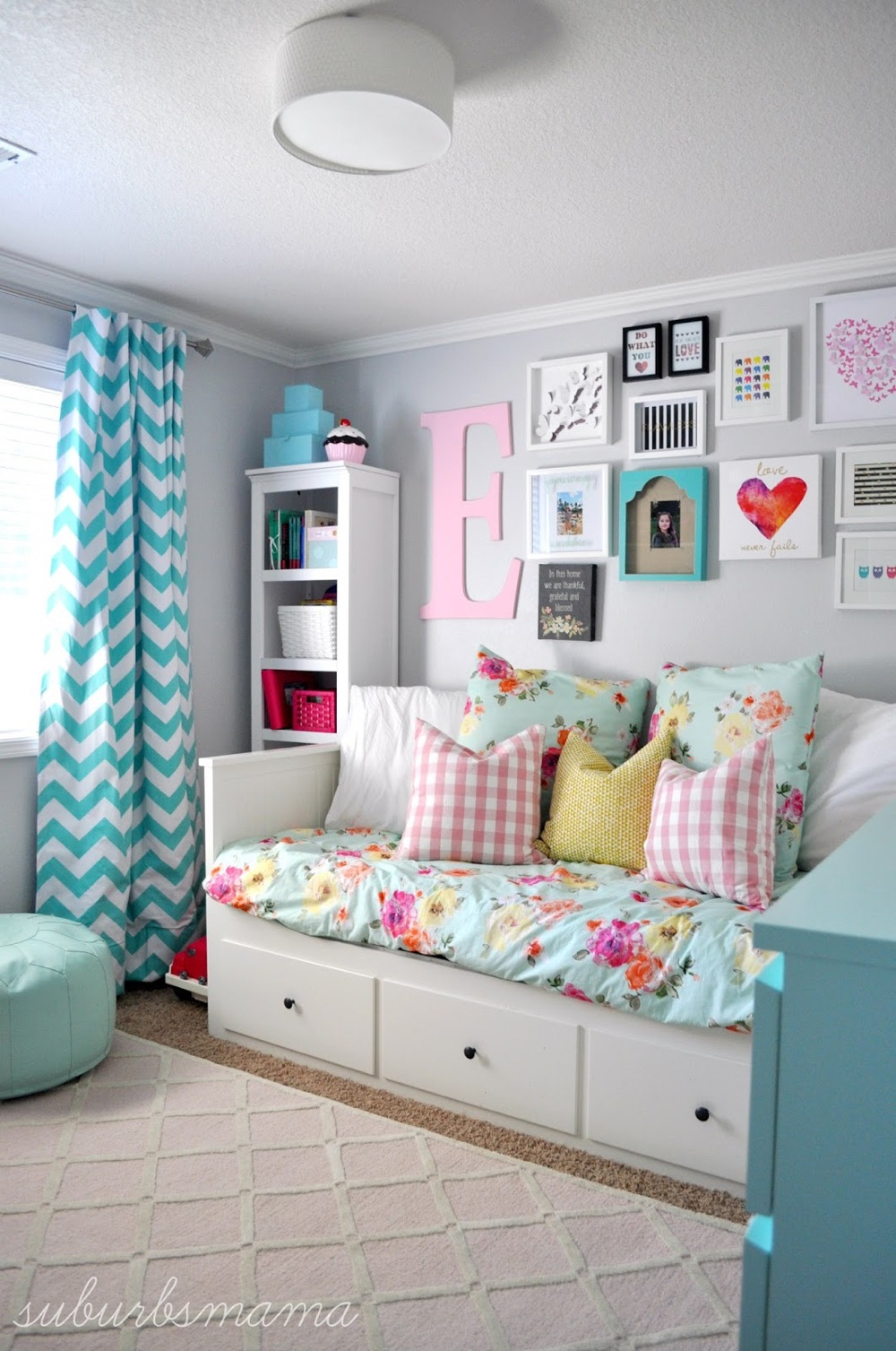 Teen Girl's Room Reading Nook
