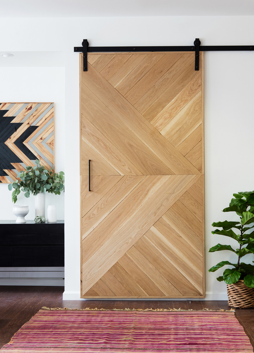 Exceptionnel Geometric Wooden Barn Door