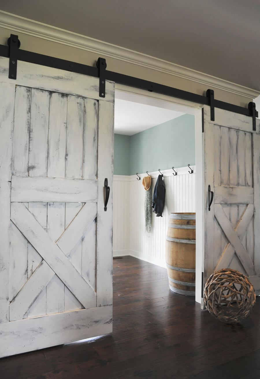 white barn door 27 awesome sliding barn door ideas for the home homelovr 13144