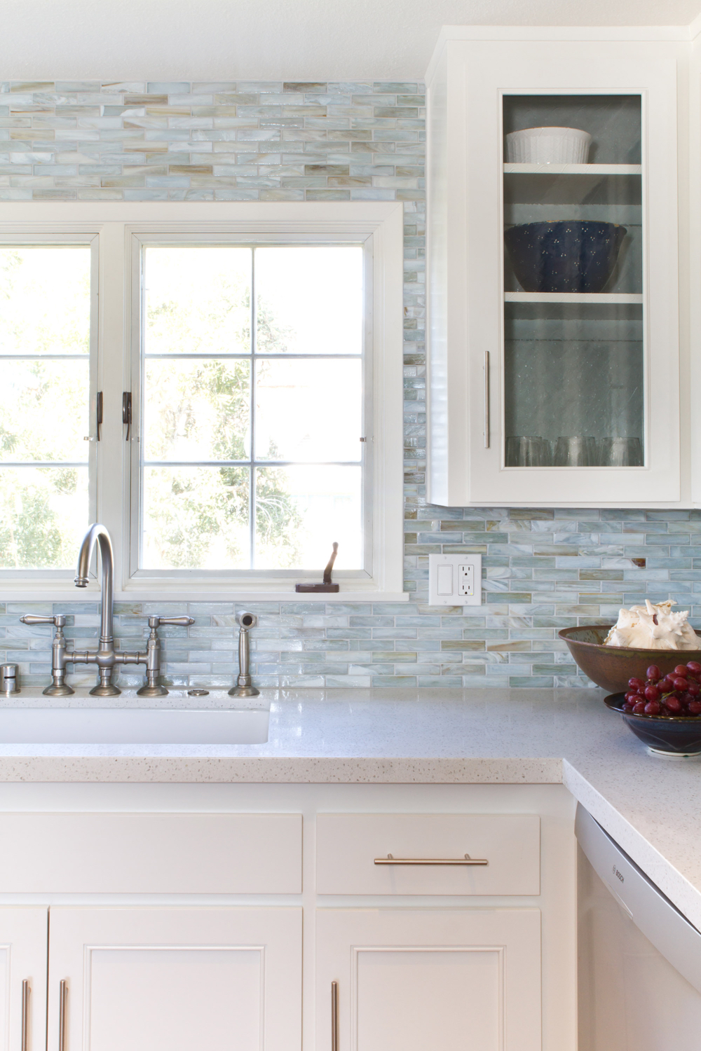 Pearl tile kitchen backsplash