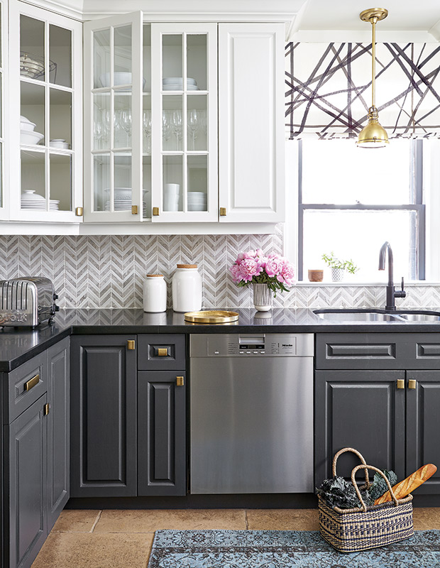 White and Gray Marble Chevron Backsplash