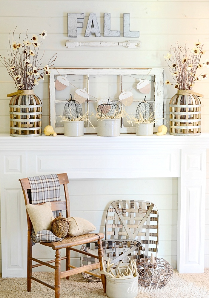 27 Cozy Farmhouse Style Fall Decor Ideas Homelovr