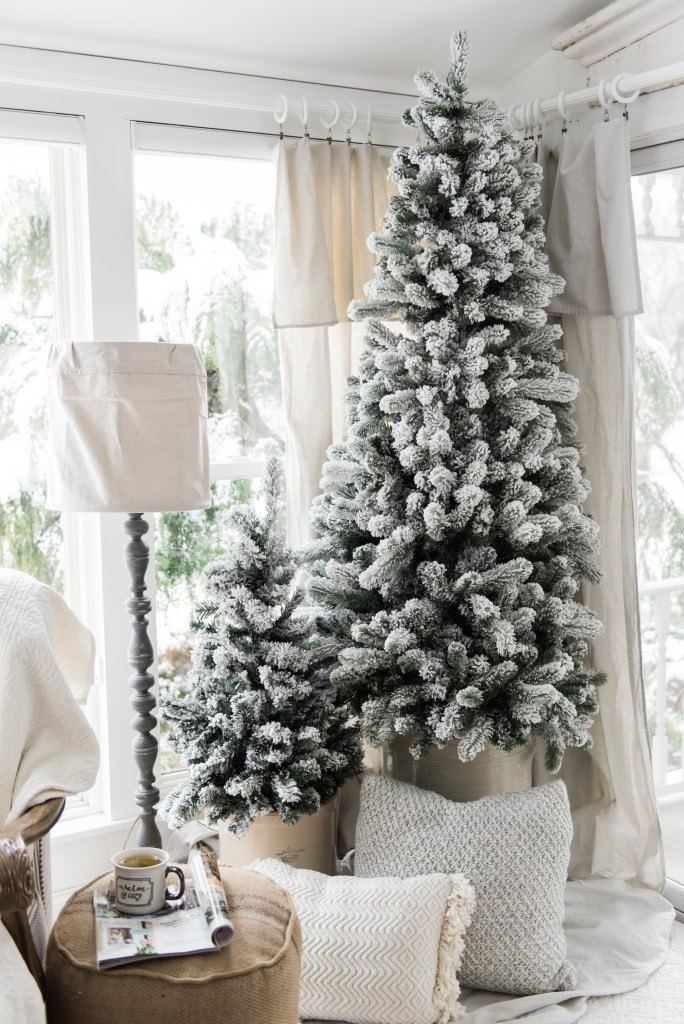 a cozy neutral farmhouse christmas - Farmhouse Christmas Tree Decorations