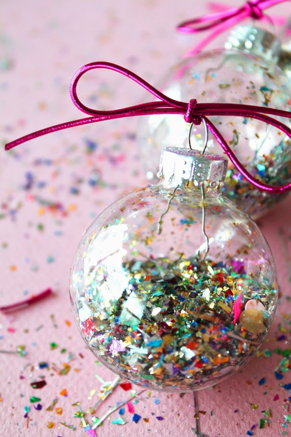 DIY Glitter Dust Filled Balls