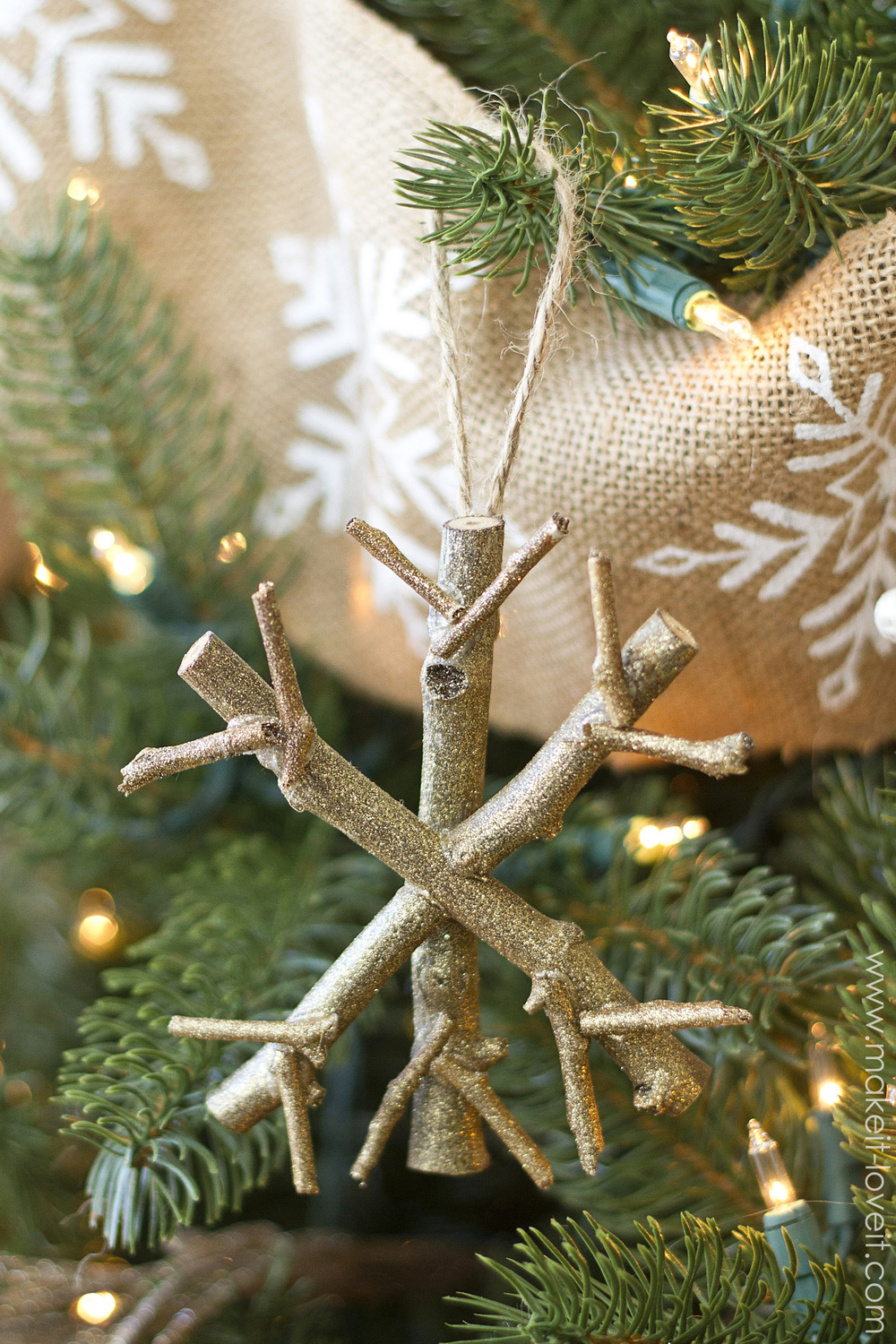 40 diy christmas ornaments that bring the joy homelovr twiggy snowflake ornament solutioingenieria Image collections