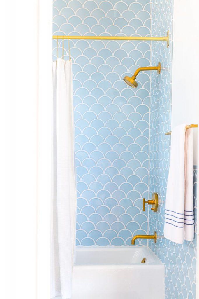 Beautiful Bathroom Shower Tile Ideas - Homelovr