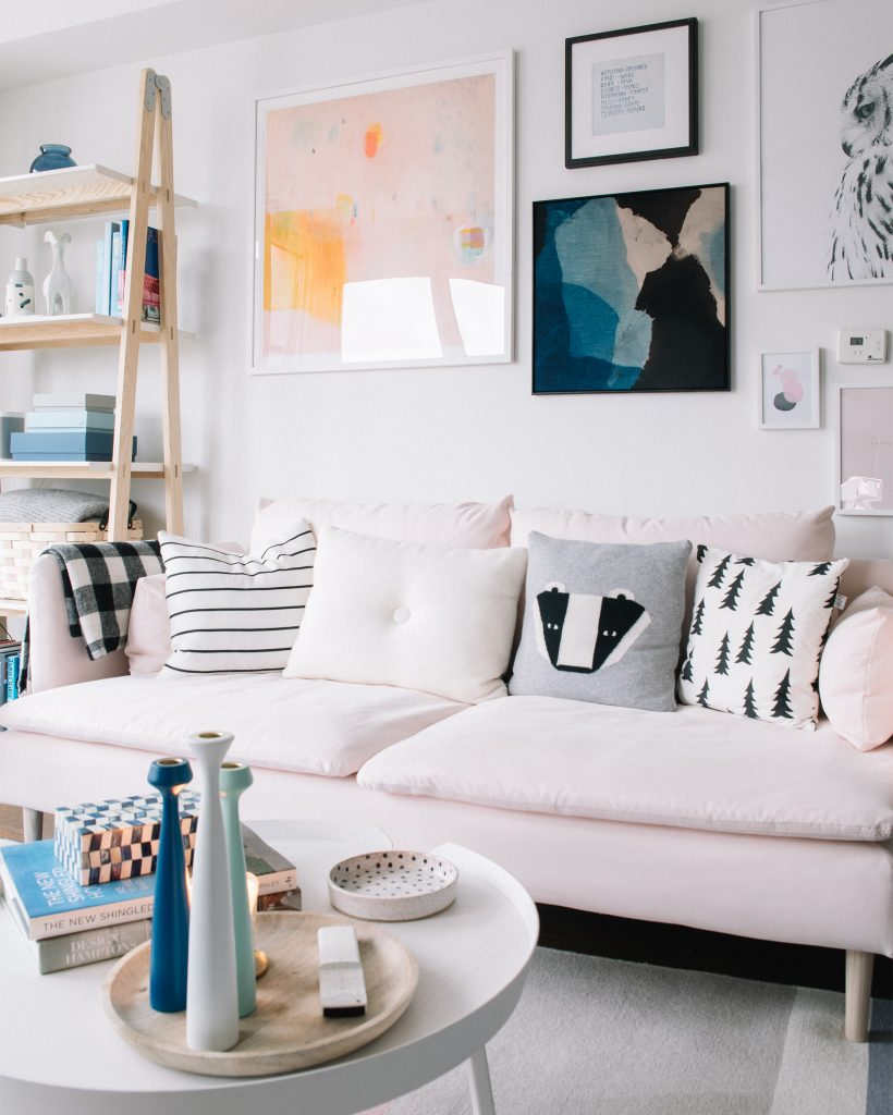 Ideas For Decorating Plush Pink Sofa Living Room: Blush Pink Sofas: Add A Touch Of Color To Your Living Room