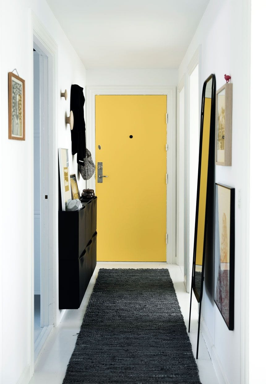 Make a Stunning First Impression with These Narrow Entryway Ideas ...