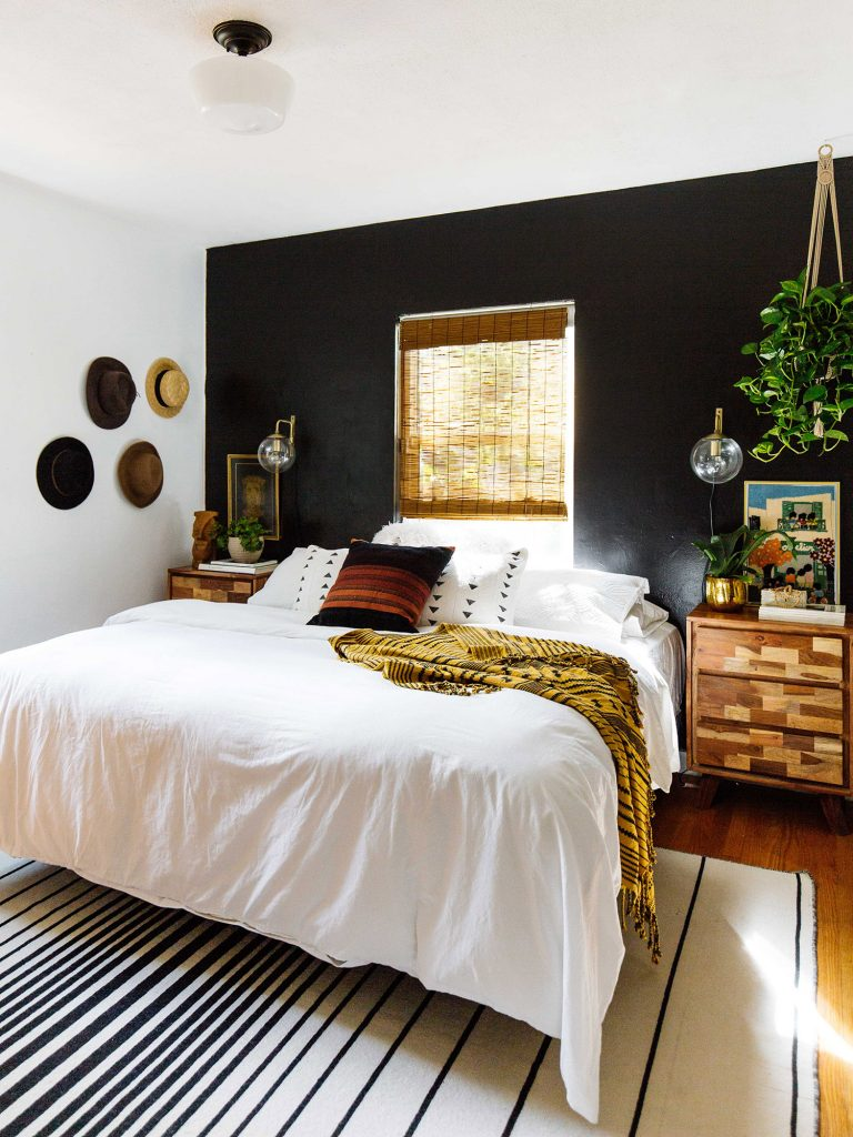 Black Accent Wall Ideas To Make A Bold Statement in Any Room ...