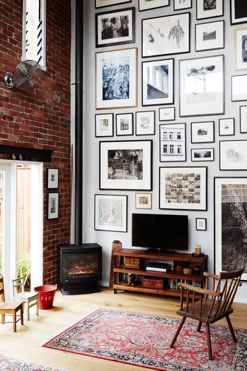 https://www.homelovr.com/wp-content/uploads/2018/06/High-Ceiling-Gallery-Wall-1.jpg