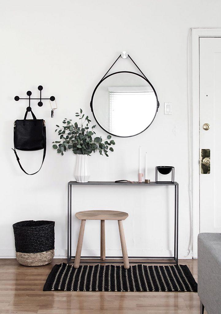 Minimalist Entryway Table Idea