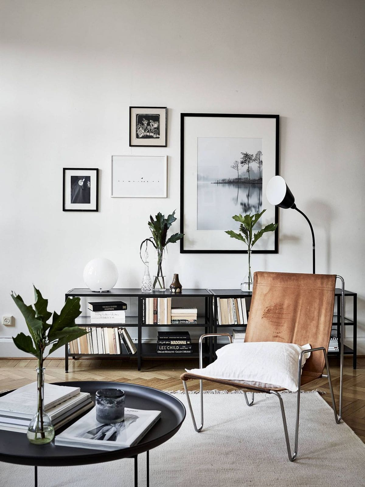 https://www.homelovr.com/wp-content/uploads/2018/06/Neutral-and-monochrome-living-room-wall-gallery.jpeg