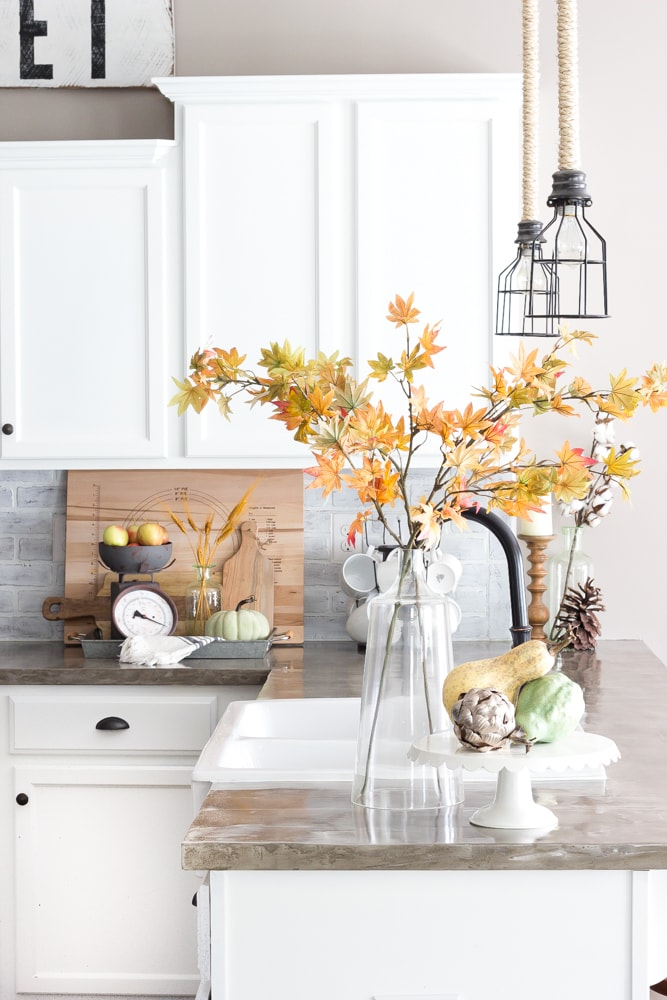 Simple Kitchen Fall Decor Idea