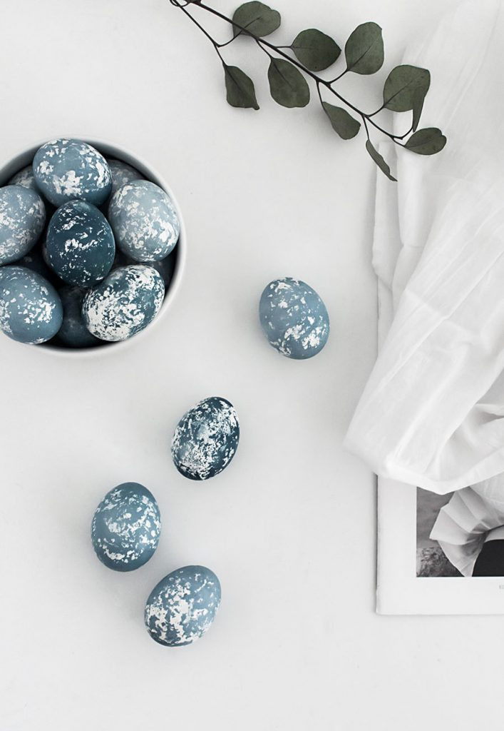 DIY Naturally Dyed Speckled Easter Eggs