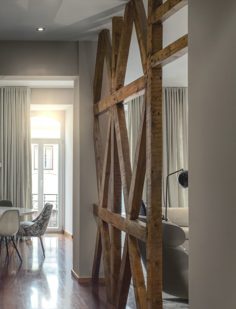 Wood Partition With Criss-Cross Beams